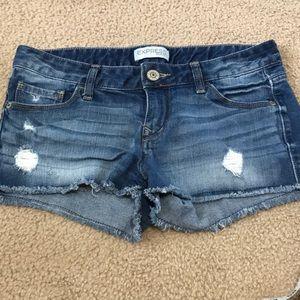 Express jean shorts size 4